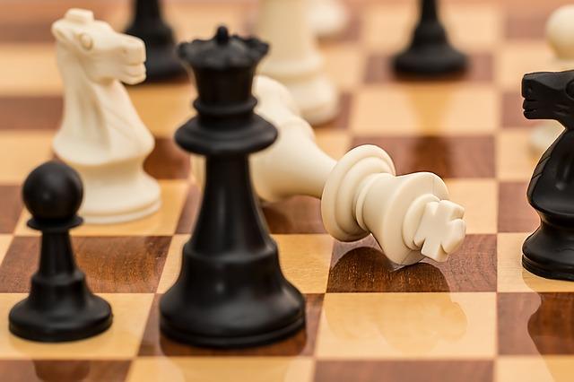 desková hra šachy.jpg