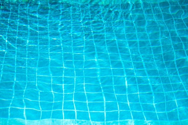 Mějte k bazénu všechno nezbytné